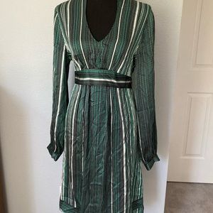 Tahari 100% Silk green Dress V Neck Long Sleeves